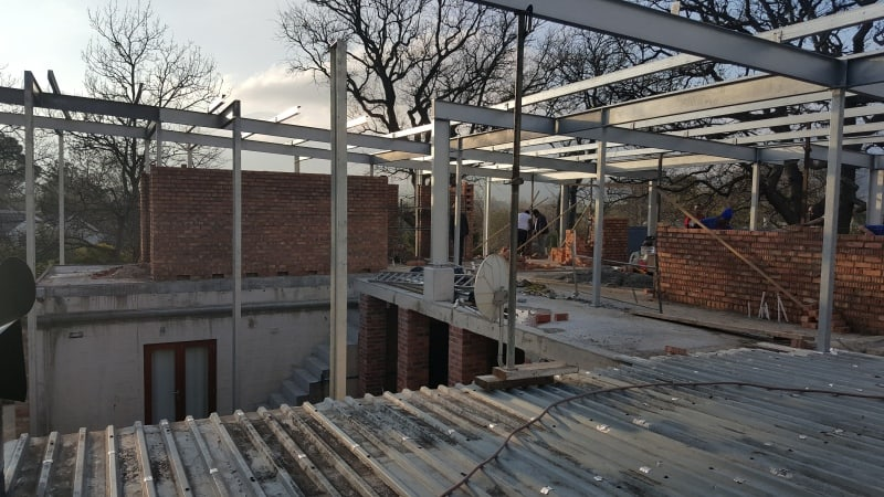 how to select the best building contractor in hermanus